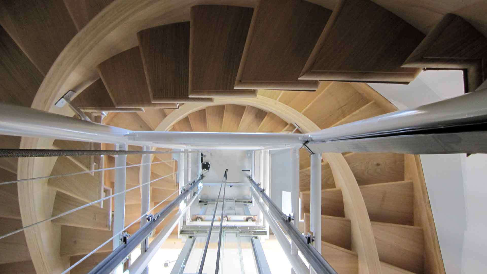 Escalier Val D Oise menuiserie et charpentes moro et fils val d'oise 95 rge qualibat