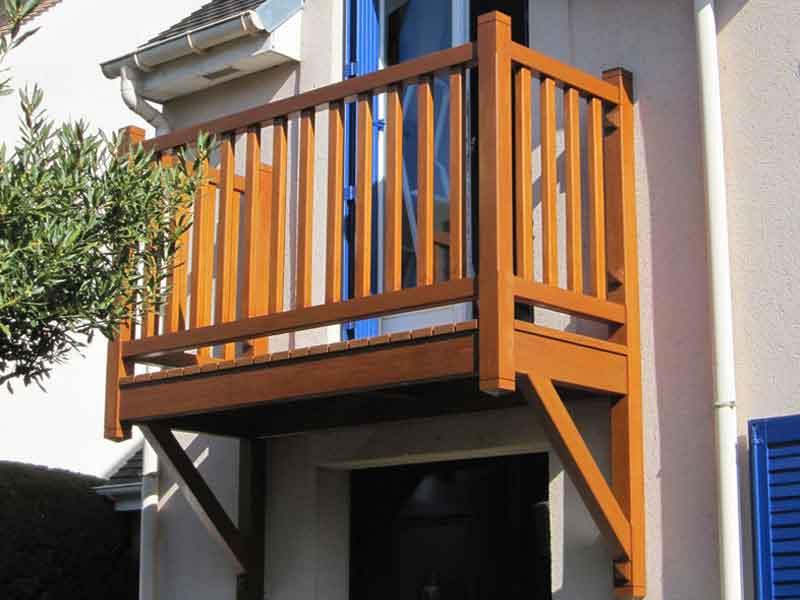 menuiserie-balcon-bois-95